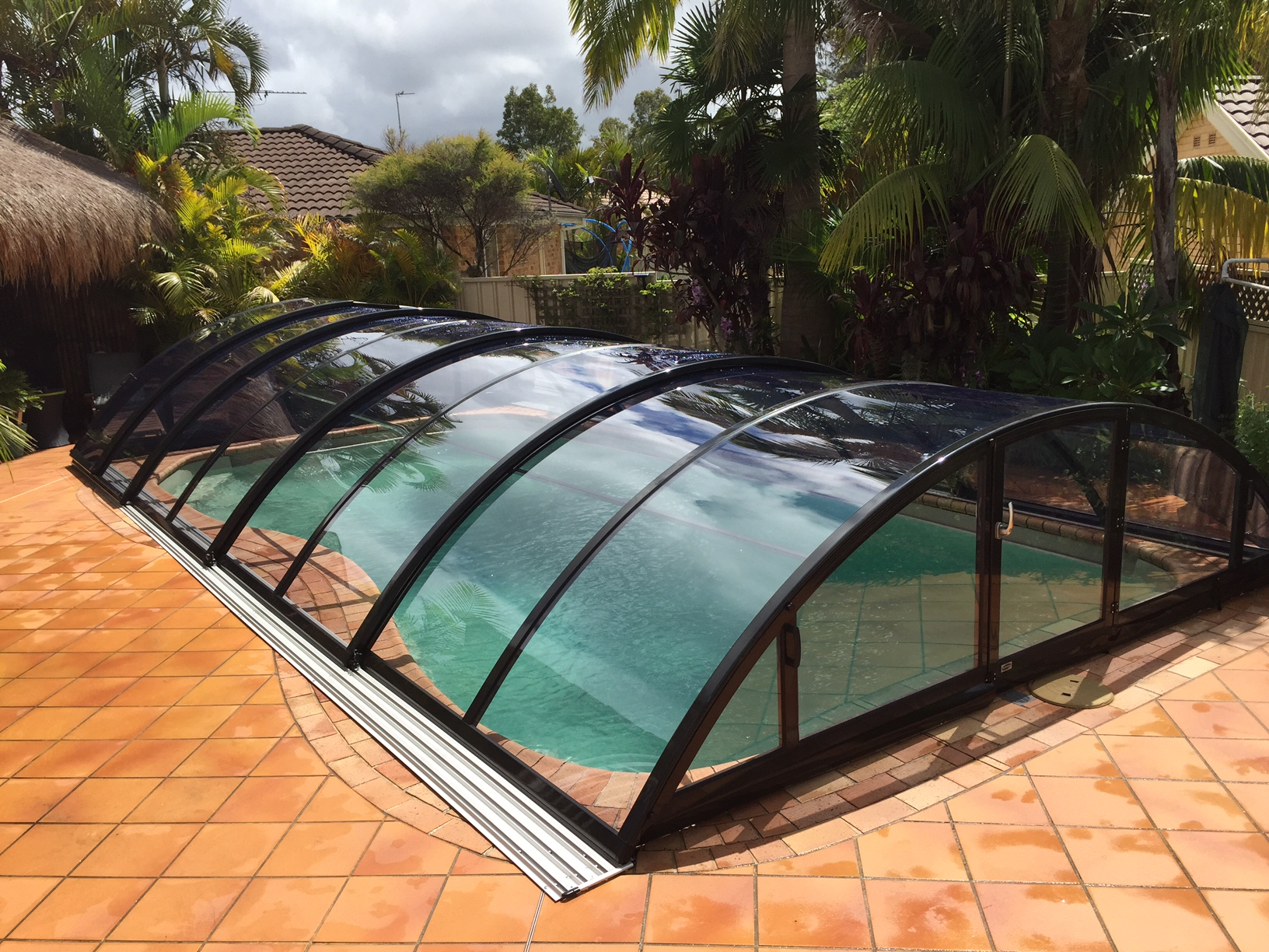 Klasik clear pool berdachung albixon for Pool holzdekor